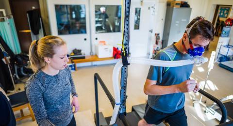 Rrin Perryman in Physiology lab